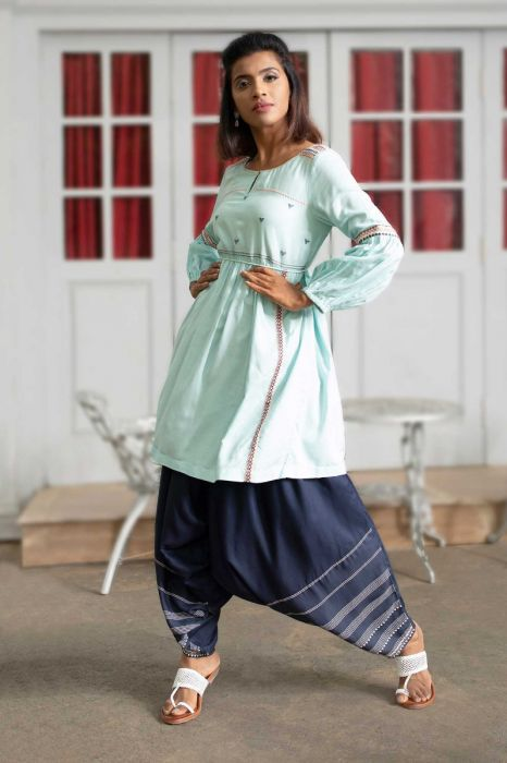 blue-round-neck-kurta-set