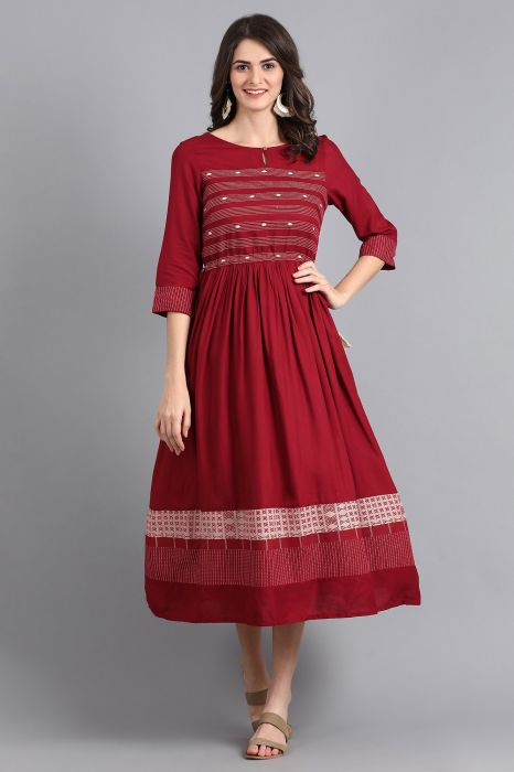 maroon-round-neck-gathered-dress