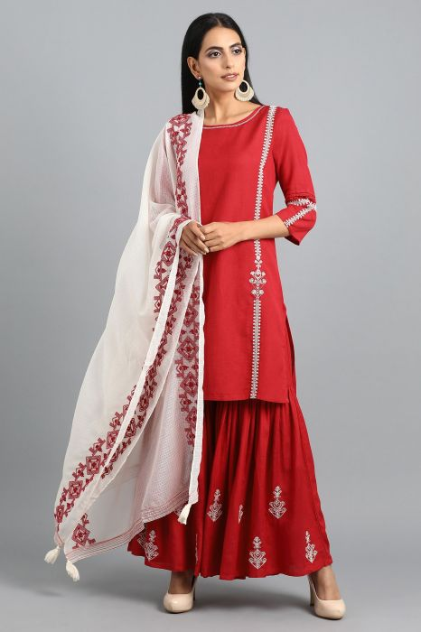 red-round-neck-solid-kurta-set